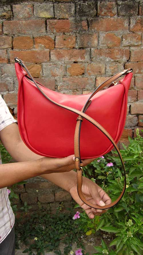 Rose Little Caro, Chiaroscuro, India, Pure Leather, Handbag, Bag, Workshop Made, Leather, Bags, Handmade, Artisanal, Leather Work, Leather Workshop, Fashion, Women's Fashion, Women's Accessories, Accessories, Handcrafted, Made In India, Chiaroscuro Bags - 6