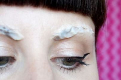 how to grow eyebrows fast