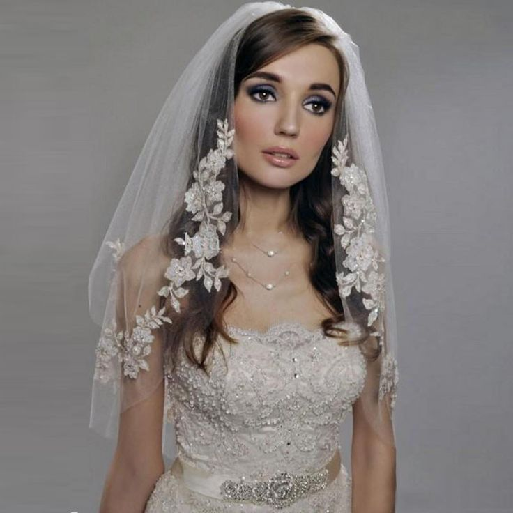In Stock Short Wedding Veil New Design Lace Applique 2T Elegant Lace Bridal Veils 2016