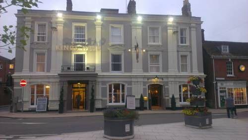 King's Head Hotel (***)  MARIA GIOIA GIUBILO has just reviewed the hotel King's Head Hotel in Wimborne Minster - United Kingdom #Hotel #WimborneMinster  http://www.cooneelee.com/en/hotel/United-Kingdom/Wimborne-Minster/King-s-Head-Hotel/61530