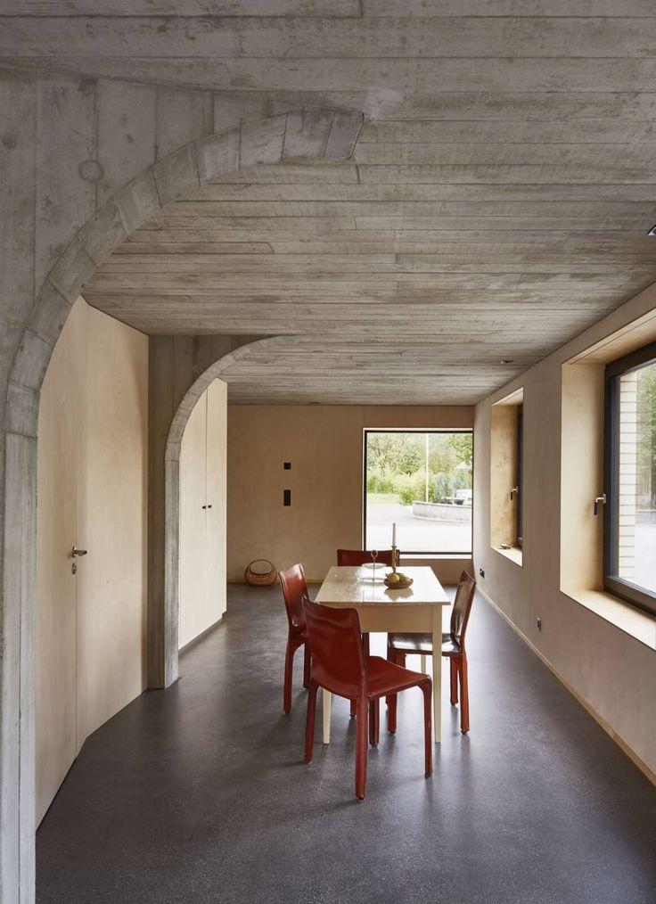 Rekonstrukce staré stodoly, kde beton našel své místo