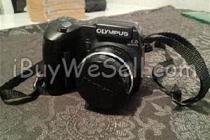 Olympus digital systemkamera, Kameran är mycket sparsamt använd. kartong kvar, där det finns instruktionsbok och diverse tillbehör, tex blixt, sladd, batteriladdare.  Check out more #cameras for sale on http://www.ibuywesell.com/en_SE/category/Cameras/396/  #Olympus #digitalcamera #usedcamera