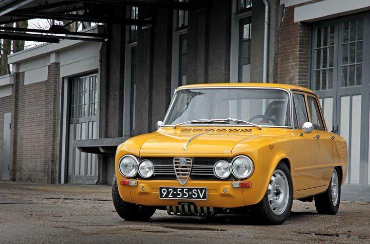 Alfa Romeo Giulia Super in strong yellow