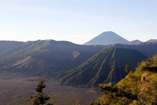 The main reason most people visit Gunung Bromo is to witness sunrise over the moon-like Tengger Caldera from a nearby mountain, Gunung Penanjakan.