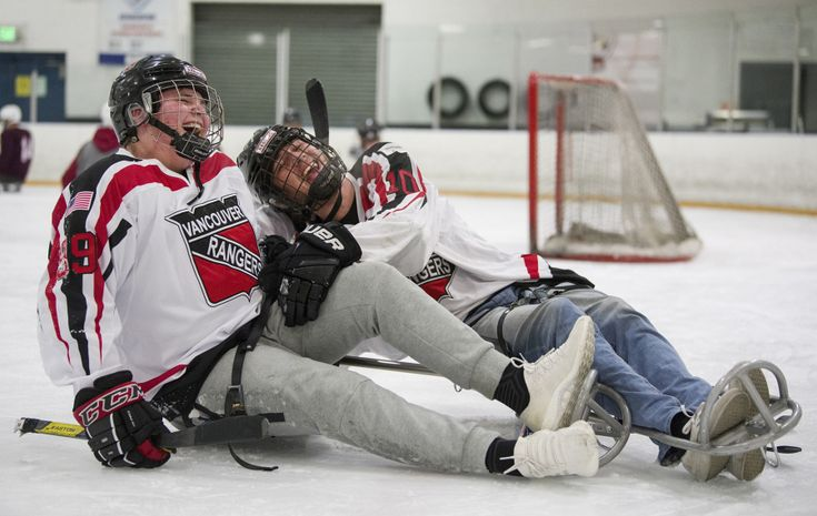 Support on Sleds: Paralympic hockey player helps Vancouver teen's recovery
