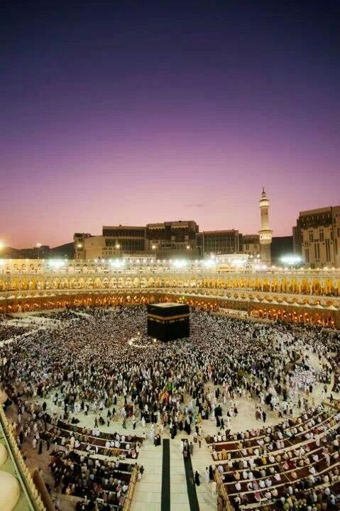Beautiful Makah - May Allah grant me the chance to go this year coming year 2015 and pray in this holy place!