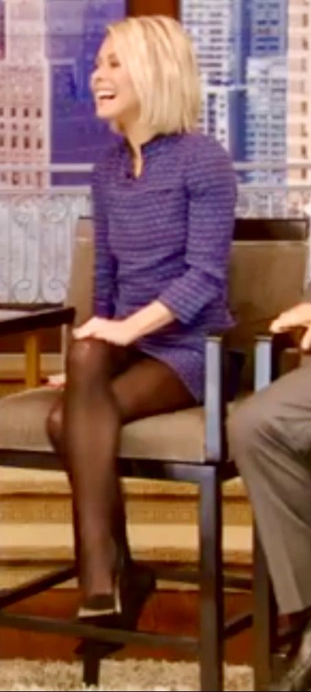 Kelly ripa wearing black pantyhose