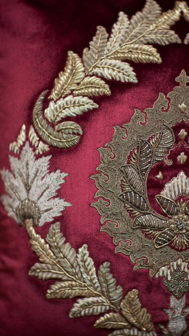 Rossini - Opulently embroidered in high relief in antiqued silver-gilt threads, Rossini creates a very dramatic classic damask design. - Beaumont and Fletcher