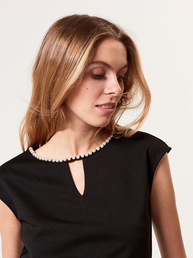 Bluzka ze sztucznymi perłami, BLUZKI, czarny, MOHITO