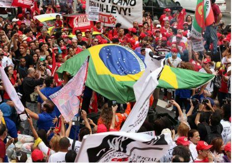 G.H.: Dia Nacional mobiliza o país em defesa da democrac...
