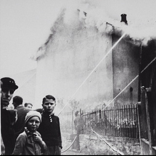 85 best images about night of broken glass on pinterest for How many homes were destroyed in germany in ww2