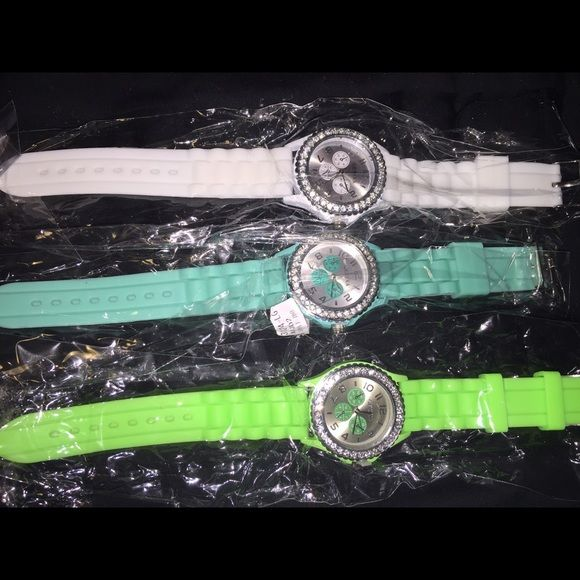 New rubber watches ❤️ New rubber watches❤️ 3 available, leave comment below with the color you want. Other