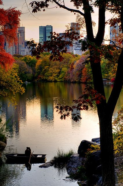 """A Little Romance"" -- [Autumn in *Central Park, Manhattan, New York City, New York*]~[Photograph by EJP Photo (Eric) - November 2 2008 - Upper West Side, New York]'h4d'1522012"