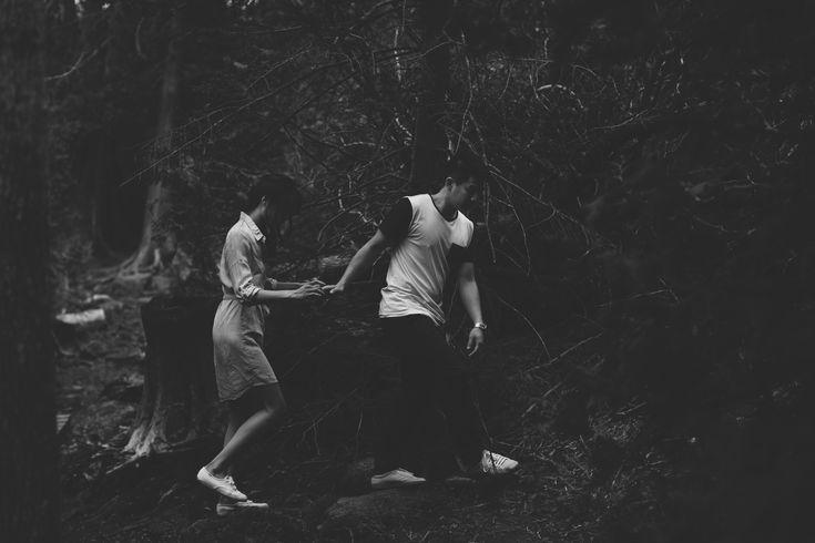 Walk through Belfounation // Engagement // Love // Adventure // Outdoors // Muskoka Wedding Photographer ©Eleanor Dobbins Photography