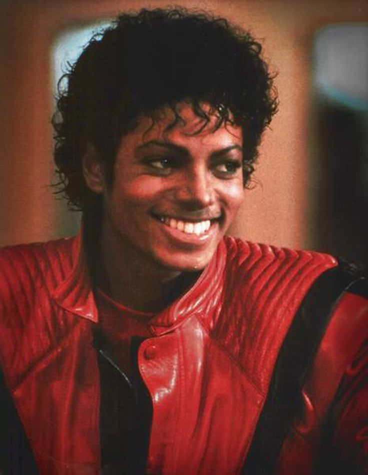 I am obsessed w/ beautiful smiles... his smile particularly; but pretty much any guy w/ an amazing smile is awesome. :)