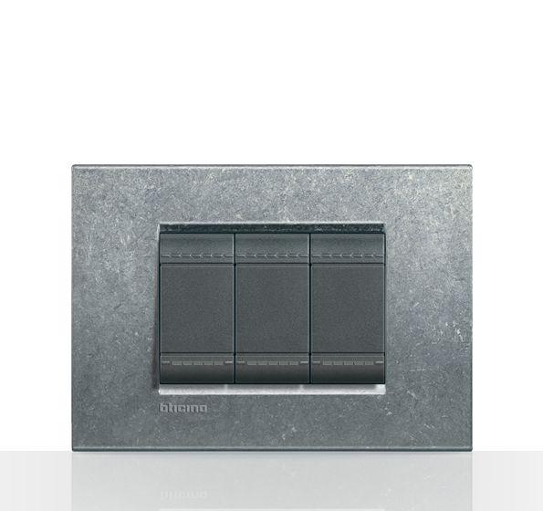 Bticino/ LivingLight/ Placa rectangular/ Nativa