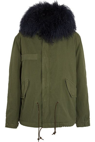 MR & MRS ITALY's parka is a modern take on classic military styles. Made from hard-wearing cotton-canvas, this piece is generously lined in soft, curly shearling through the body and hood for exceptional warmth. Wear yours on chilly weekends with casual separates.