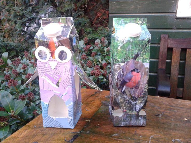 vogelvoer huisjes van melkpakken / birdfeeder from milkcarton