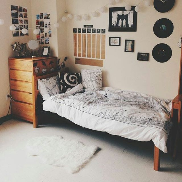 7233 best images about dorm room trends on pinterest - Dorm wall decor ideas ...