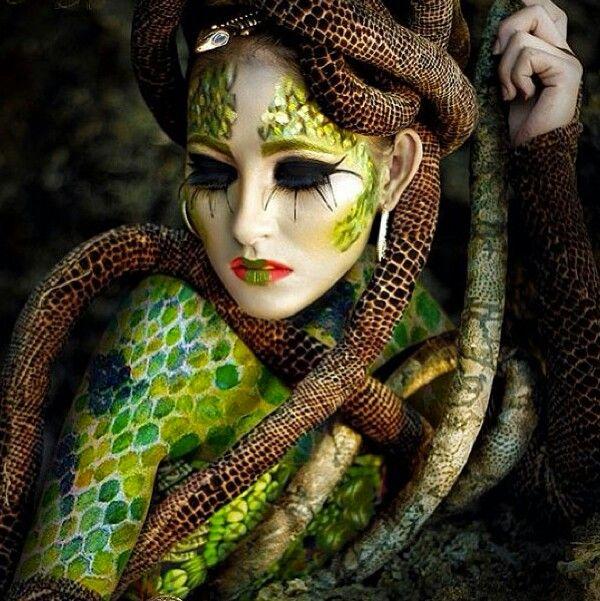 Snake Inspired Make-up
