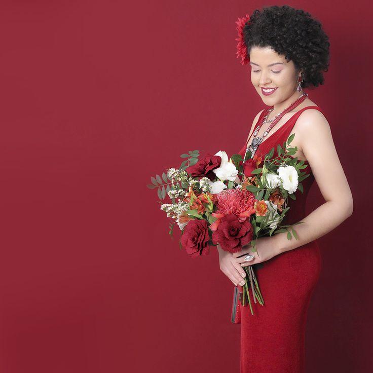 Editorial Beleza Pura  Homenagem ao dia internacional da mulher #fashion #trend #flowers #burgundy #latina #culturaafro #blackpower #sweetgirl #brazil #burgundyfashion #burgundyflowers #marsala #bordô #minimalista #acessóriosfemininos #acessórios #acessories #lookdodia #floresbordô #vermelho #flores #belezapura