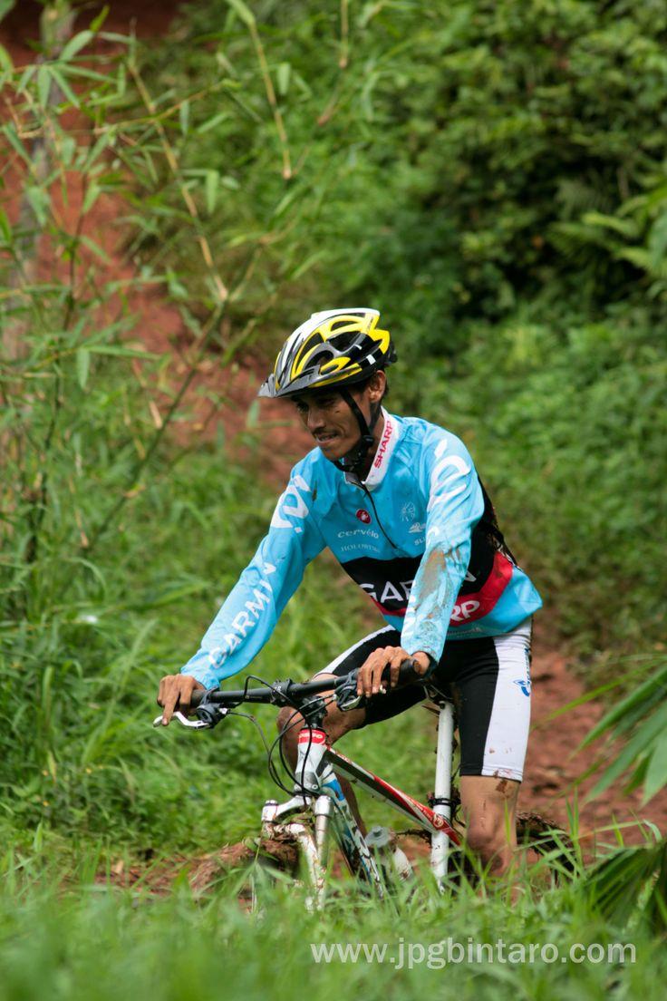 Ayo bersepeda, menyehatkan dan menyenangkan, jalur pipa gas mountain bike park Perigi Lengkong BSD  Post by http://www.jpgbintaro.com
