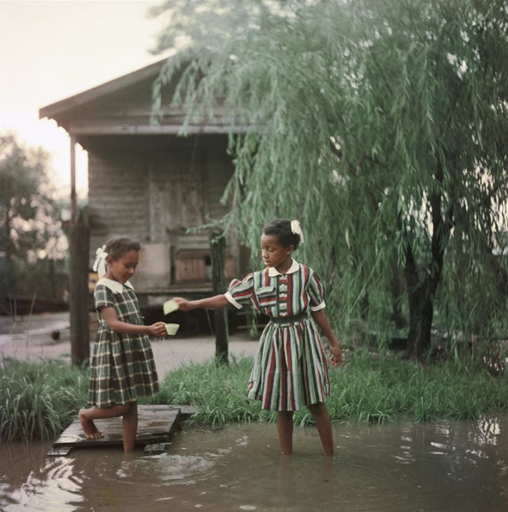 killerbeesting* Gordon Parks, Untitled, Shady Grove, Alabama, 1956