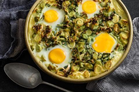 Ofenguck mit Lauch und Eiern
