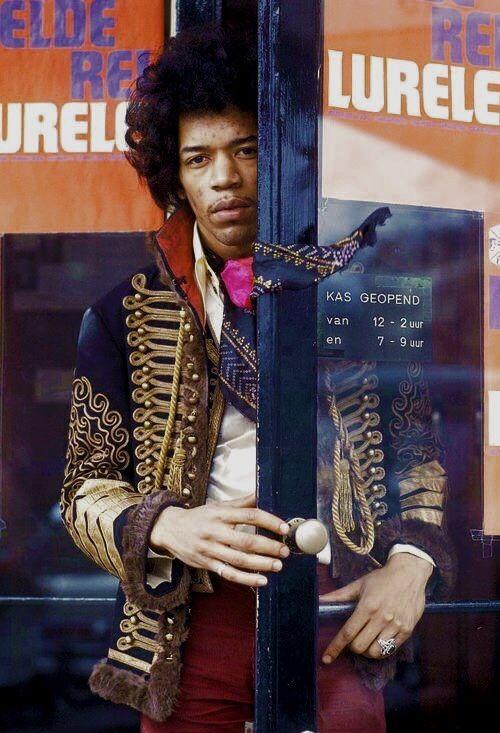 retro2mod:  Jimi Hendrix, Holland, 67