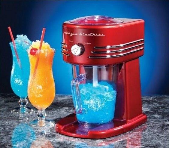 Simeo Retro style slush ice maskinen er cool på både den ene og anden måde. Den fremstiller den lækreste slush ice og ser samtidigt hamrende godt ud på dit køkkenbord eller hvor du vælger at sætte den. Ideel til alt fra alm. Slush Ice, til Ice Coffee, Iced Milkshakes, Iced Drinks mm.... Slush ice maskinen har 2 indstillinger. 1. slush ice 2. knust is Den er derfor også perfekt til drinks og andre kolde drikke. Kande som ses på billede medfølger selvfølgelig. Vælg i mellem enten rød eller den…