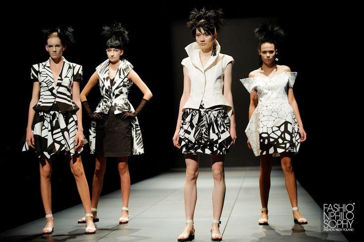 JUNKO KOSHINO, Pokaz specjalny, otwierający 9. edycję FashionPhilosophy Fashion Week Poland | 15.10.2013, Centrum Promocji Mody ASP Łódź | fot. Łukasz Szeląg/Moda Forte  #junkokoshino #koshino #fashionshow #fashionweek #fashionweekpoland #lodz #centrumpromocjimody #asp #fashionphilosophy