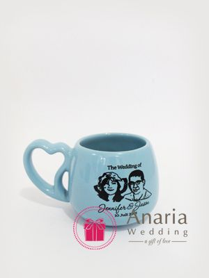 An unique ceramic mug with heart-shaped handles. Contact us now Pin.74073784 / WA 085645913004 | Visit us on www.souvenirnikah.co.id #souvenir #souvenirs #souvenirwedding #anariawedding #weddinggift #weddingfavor #souvenirsurabaya #souvenirpernikahansurabaya #souvenirunik #souvenirnikah