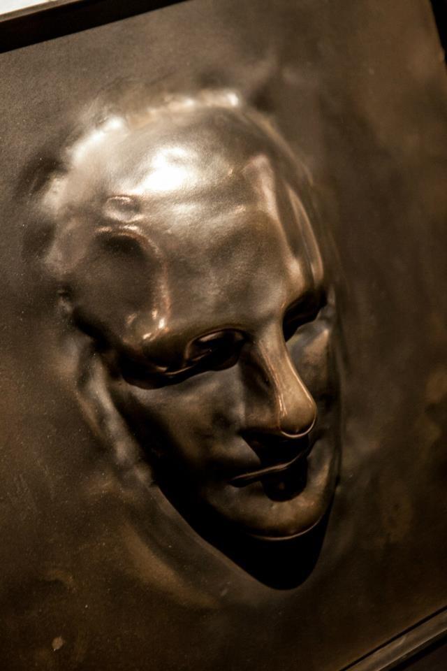 FACE  #Sculpture 40x40  Resin metal coat Bronze
