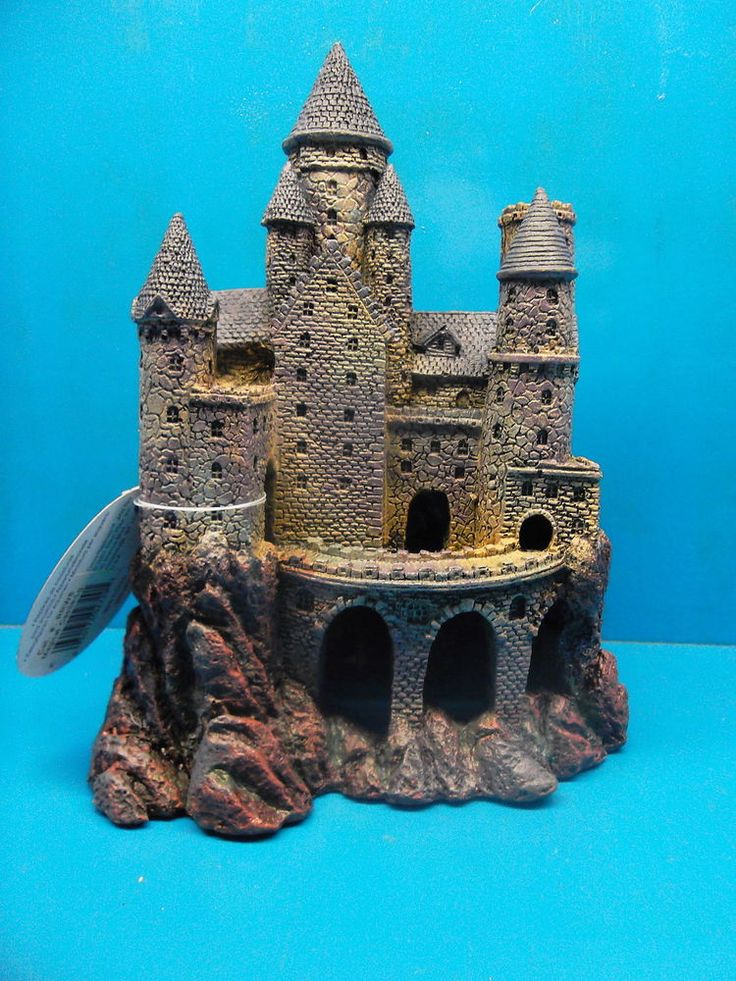 Aquariums decor castles medievil 10 handpicked ideas for Fish tank castle decorations