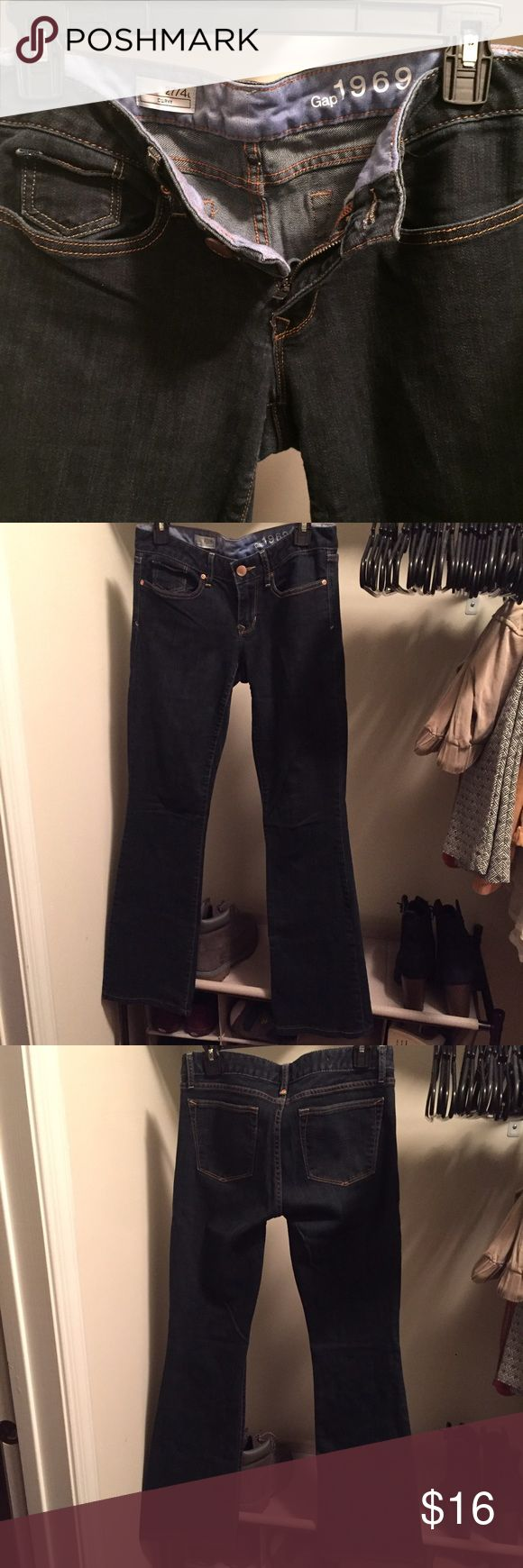 "Gap CURVY Jeans In really good condition, color is still rich. Inseam is about 30"", leg flare is about 9"". This is size 4L. See photos for details. GAP Jeans Flare & Wide Leg"