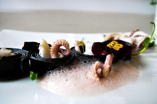 szczypta smaQ: Kalmary na makaronie z sepią z pianką cytrynową i ...