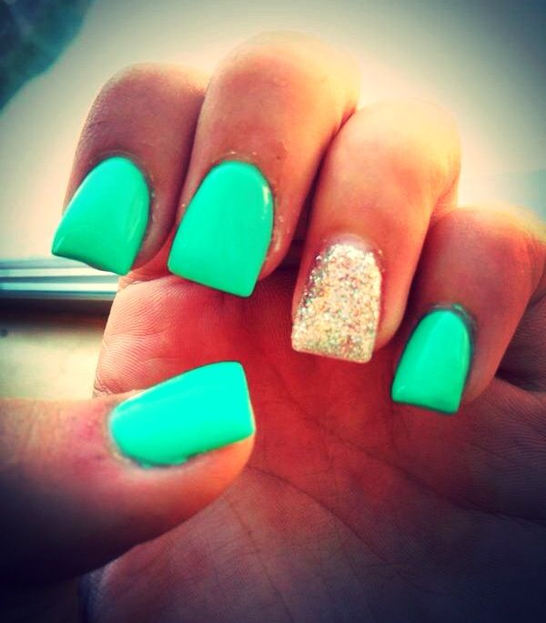 Sea Foam Green & Glitter Shellac Nails