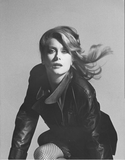 "Catherine Deneuve promo photo for ""The Hunger"": Movies Tv My Icons, Divas Top, Movies Music Tv, Film Mood, Catherine Deneuve, Favorites List, Favorite Films, Deneuve Promo"