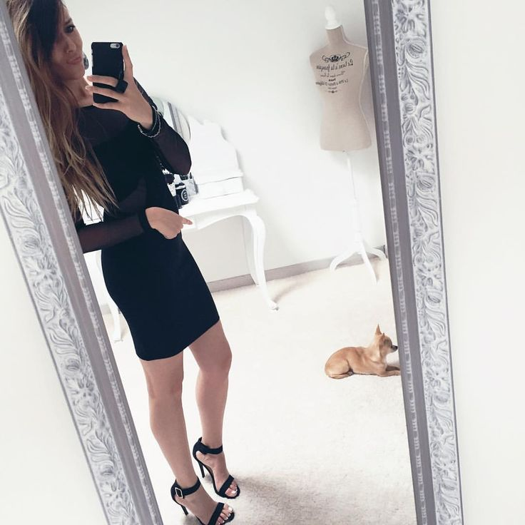"[LOOK] #chihuahualove Elle me suit partout 😅 ♣Robe #missselfridge (Bientôt dans mon vide dressing sur mon Blog) ♣️Shoes (similaire sur Mon blog catégorie ""Shop my style"") --- SNAP👻 Dresscodecam --- www.dresscodecam.com --- #OOTD #outfit #lookoftheday #style #fashion  #girls #girl #angers #nantes #lifestyle #lookdujour #black #mood #selfie #mylook #videdressing #blogger #shoes #heels #heel #superstar #color #dailypic #instastyle #wiwt"