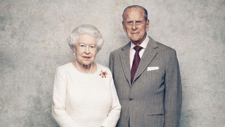 Royaume-Uni : Buckingham diffuse de nouvelles photos de la reine Elizabeth II et du prince Philip pour leurs 70 ans de mariage