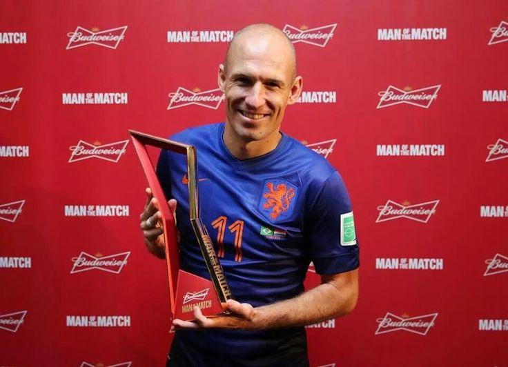 Arjan Robben is verkozen tot man van de wedstrijd na de wedstrijd Nederland-Brazilie.