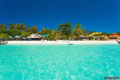 Si quieres conocer el Paraiso, una de las islas que deberas visitar. Te aseguro que no te arrepentiras. Y por ahora Koh Lipe no esta masificada de turistas