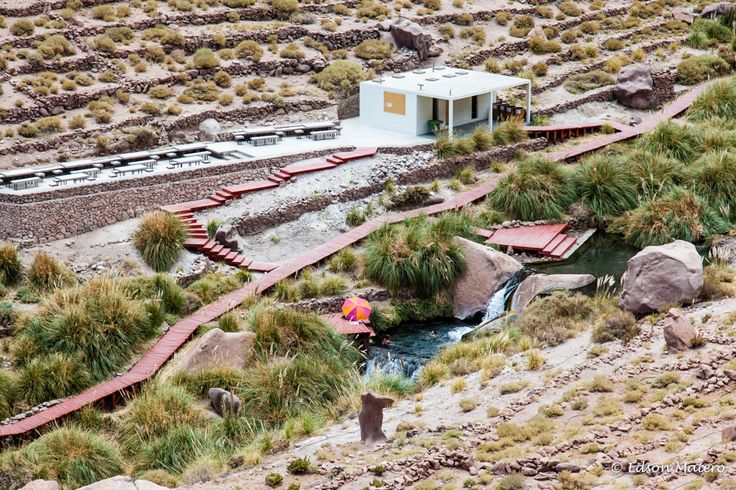 Termas de Puritana: Existem 8 piscinas ao longo do riacho, todas com água cristalina em torno de 35ºC