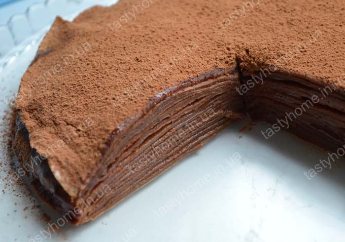 Шоколадный блинный торт порадует любителей простых в приготовлении десертов, а также ценителей блинов. Если выпечка не ваш конёк, попробуйте приготовить этот шоколадный блинный торт!