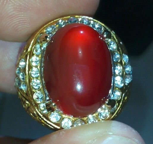Natural Carnellian Chalcedony Batu cincin dari Pacitan Jawa Timur terkenal dgn nama Red Baron       atau Merah Bangsawan.