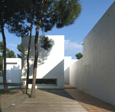 House+in+Tróia+by+Jorge+Mealha+Arquitecto