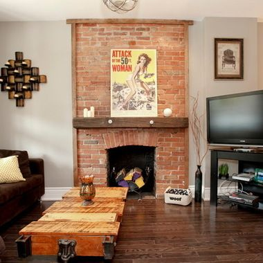 I don't usually like a red brick fireplace, but this one is well done.