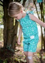 Freebook - Flutter Sleeve Romper - Jumper mit Flügelärmeln - Jumpsuit - Auch als Shirt oder Kleid nähbar - Its always autumn - Nähen - Kinder - Mädchen - Jersey Ornamente - Glückpunkt.