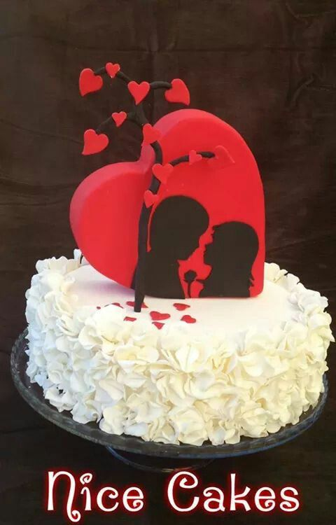 Love Heart Valentineu0027s Cake