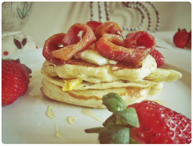 Frikkie Awesome: Heart Shaped Bacon With Crumpets and Hart Shaped Egg topped with Honey and served with fresh Strawberries